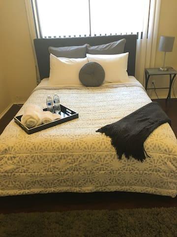 Spacious Cozy Queen Bedroom w TV #2