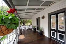 Doulton Cottage: your private, pet-friendly home