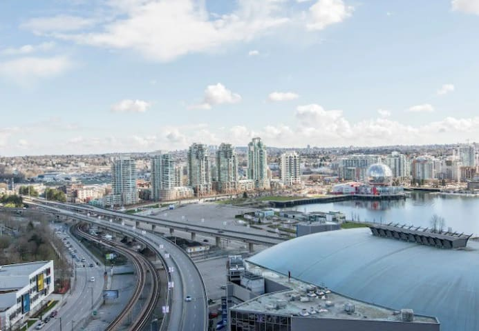 Gorgeous WaterView! 3Bed+next to Arena+FreeParking