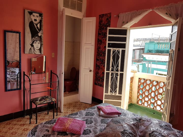 Casa Perdomo, El Cuarto #1, Centro Habana, Cuba