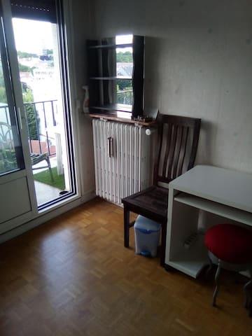 10 min de Paris : 1 chambre privée/ 1 personne