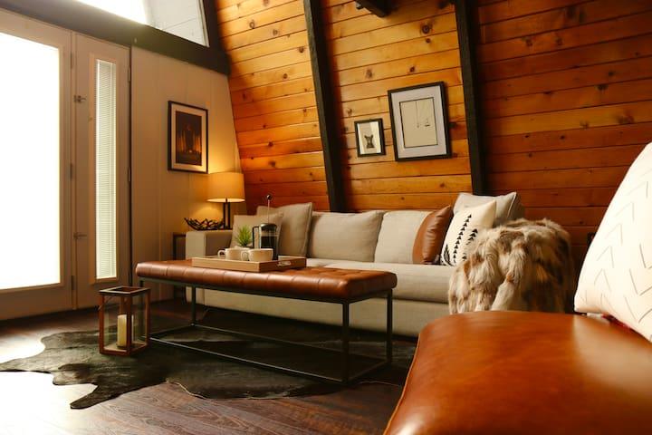 Black Diamond Loft - Cozy Cabin in Big Bear City
