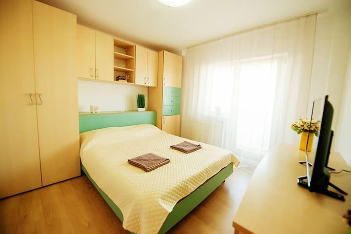 Aurel Vlaicu Apartment - bedroom2