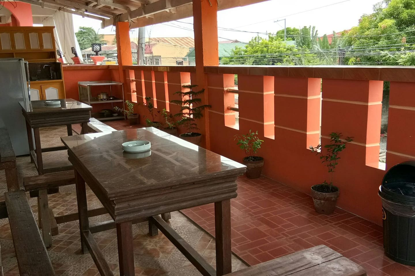 Unit#2 2nd flr terrace,cooking area Free cooking & use of utensils 2 air-conditioning rooms ,2 bathrooms good for 8-10 guests Please confirm the availability before booking.