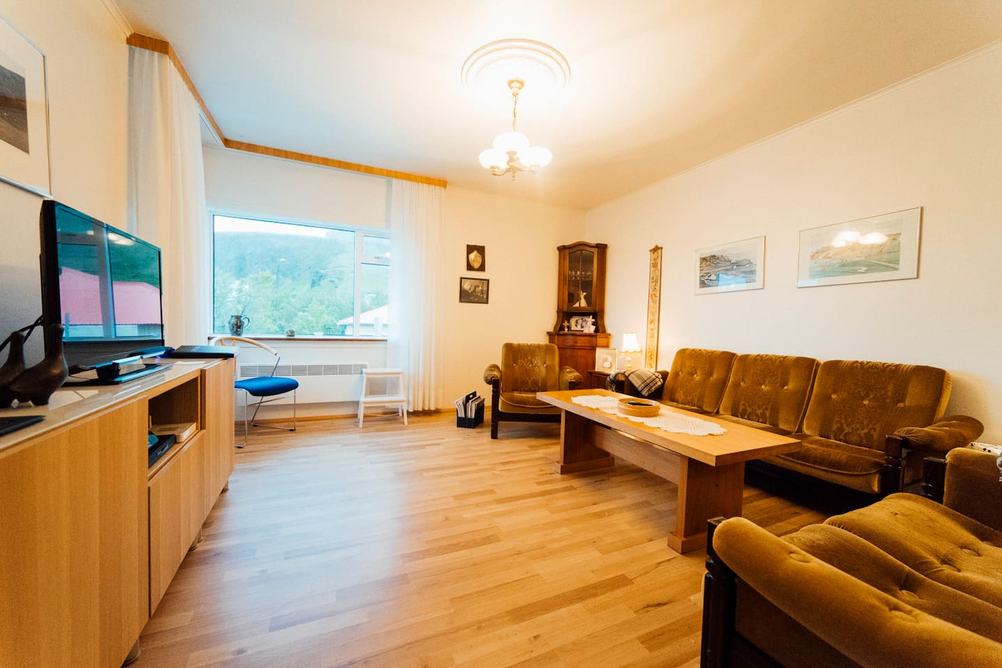Cosy living room, the fish-eye lens increases the room size