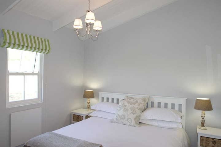 Tralee Cottage - Bedroom Two (King sized bed or two singles)
