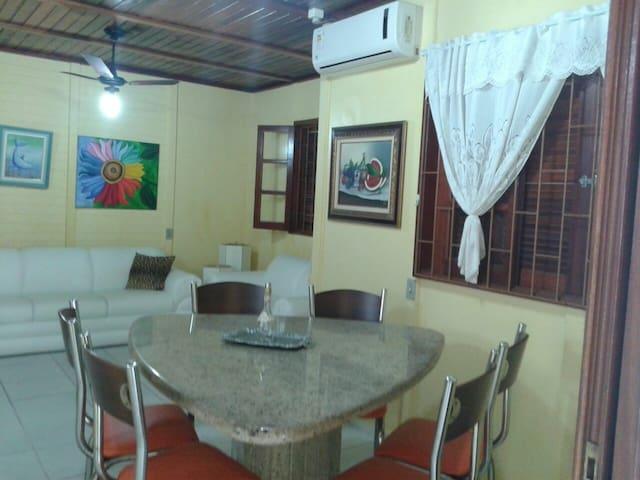 Casa centro Balneário Rincão - duas quadras do mar