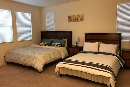豪华主人房 master room King size bed - アーバイン