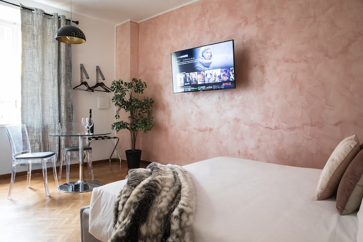 Intimate Suite with Jacuzzi in Trastevere