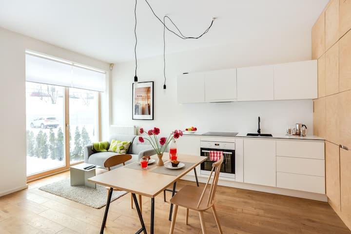 Modern Designer Apt in Artistic Distr. by Houseys
