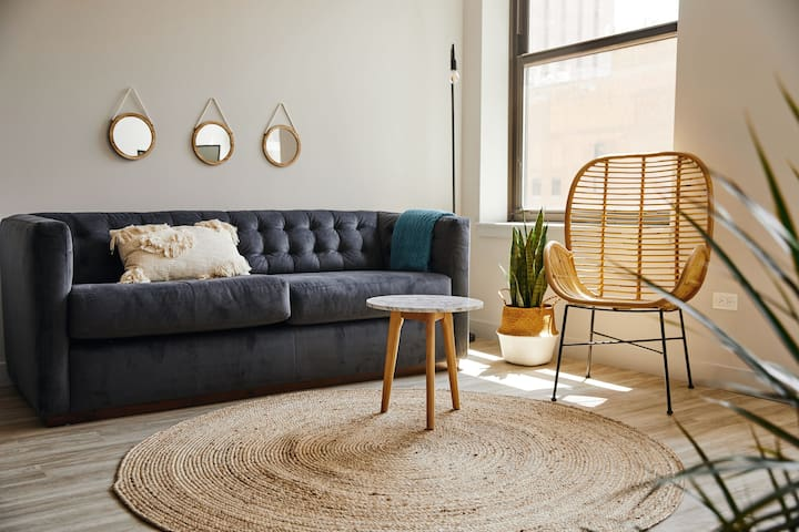Eero Ease - Bright 1 Bed in the Loop by Short Stay
