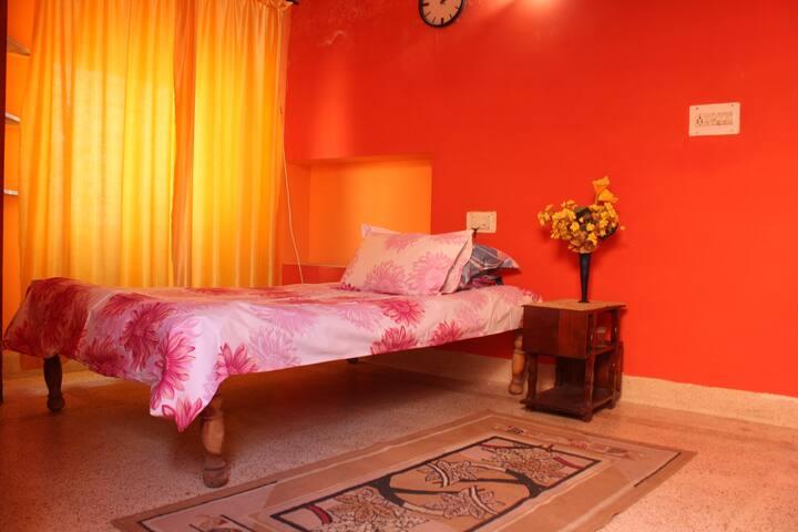 Cozy bed room in  quiet neighborhood - Jodhpur - Villa