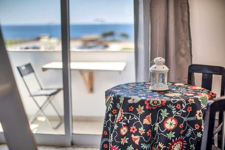 Private room w double bed Sea view