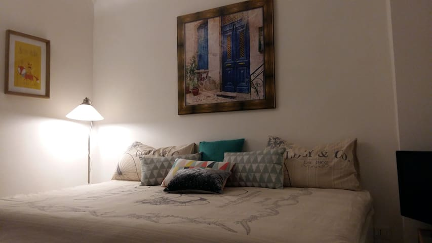 tiny flat in historical center - Napoli