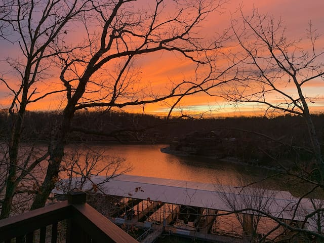 Lake Front Cottage - Four Seasons - Mile Marker 13