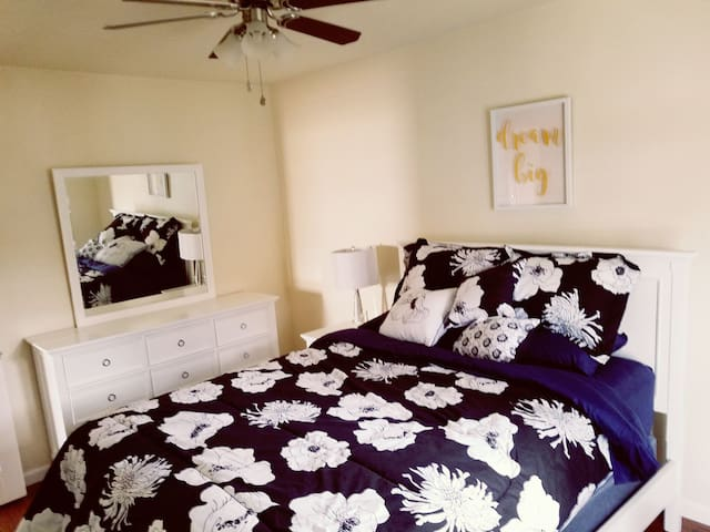 Spacious 2bedroom in Westchester, 5min from LAX