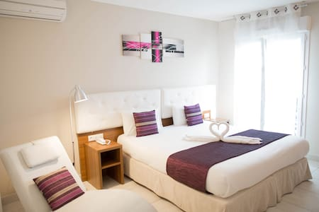 Bed&Breakfast 2 à 3 pers/Bed&Breakfast 2 to 3 pers - Sanary-sur-Mer