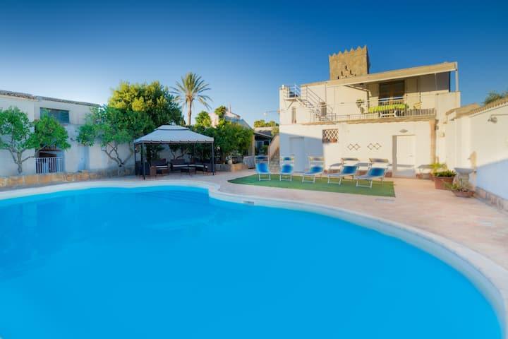 Villa a 3km del mar, piscina, AC