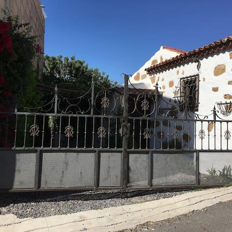 Casa Los Mirlos,  South Tenerife - San Miguel - Hus