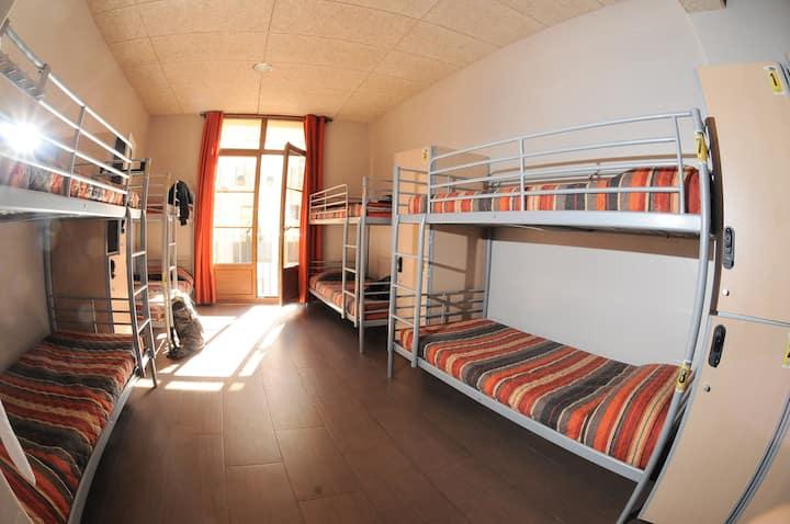 Cama en dormitorio compartido mixto - 12 camas