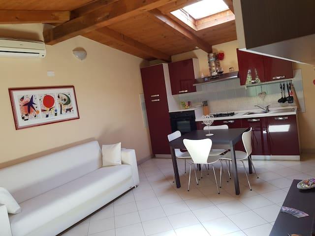 La Baita de Milan (with 2 bedrooms & free parking)