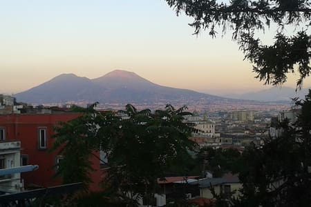 Bright single/double. Great deal for walkers! - Napoli - Huoneisto