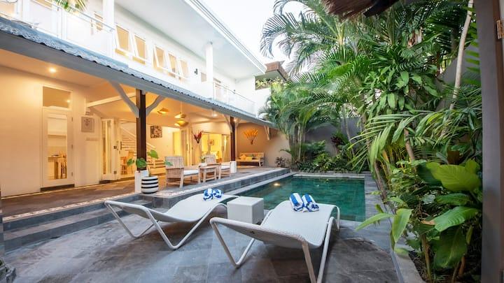 Brand new 3 bedroom/bathroom pool villa Seminyak