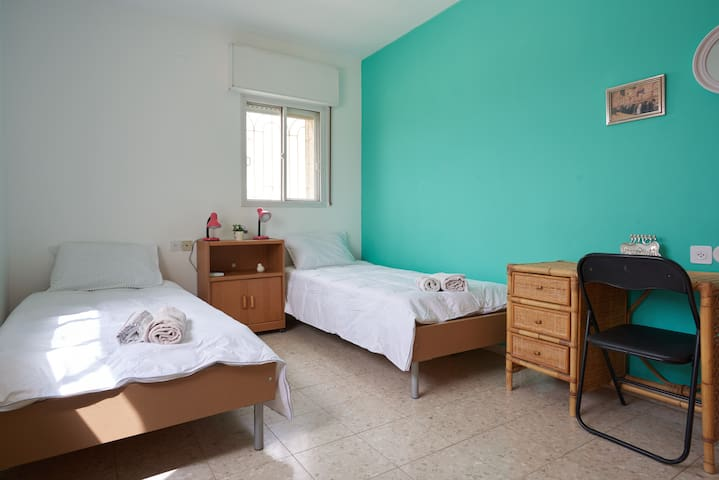 ROOMS TO RENT  IN A JERUSALEM  PENTHOUSE - 3