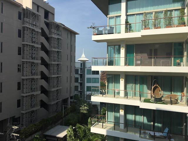Club Royal D Condominium (PATTAYA THAILAND)