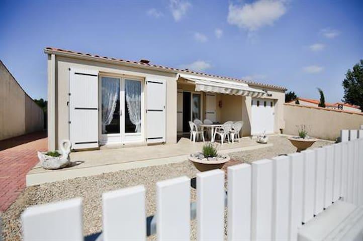 Maison tranquille à 5km de l'océan - Givrand - Casa