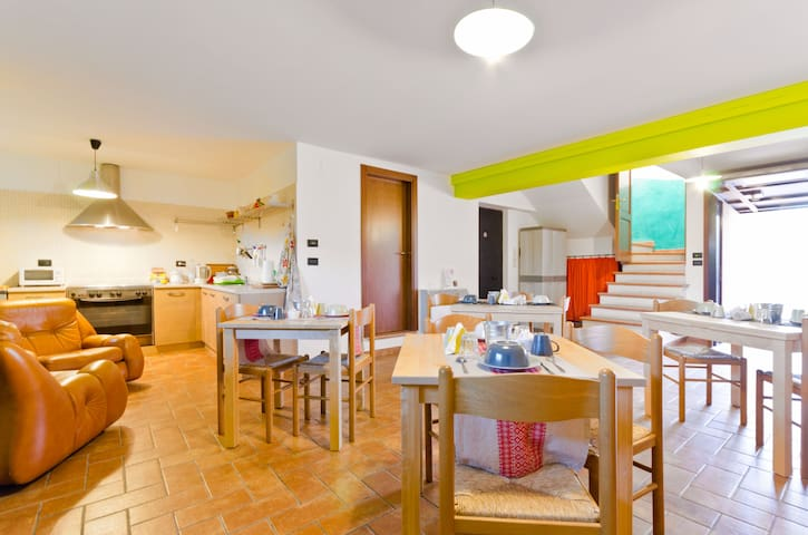 from €36,00 per night 2 people - San Benedetto dei Marsi - Rumah