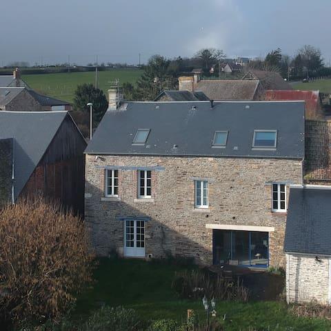 Maison en pierre au cœur de la Suisse Normande