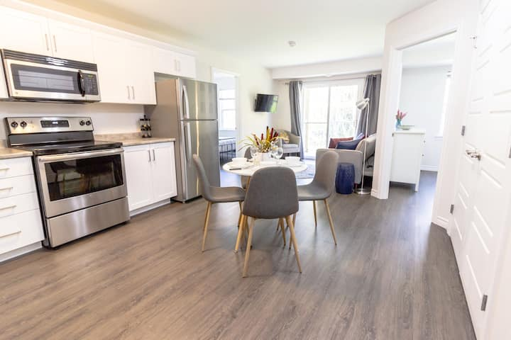 Brand new Gorgeous Condo | Near UNB & Hospital |Coffee | Parking  202