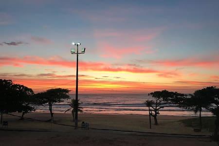 Apto Praia de Ulé. Tipo flat de frente p/ mar 104