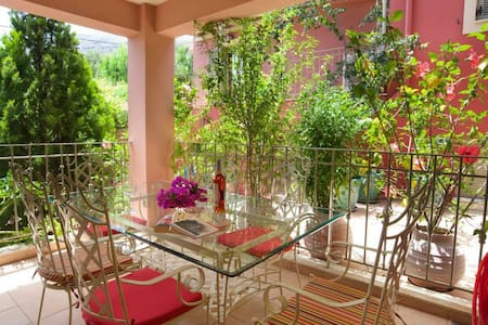 Dioni - Guesthouse