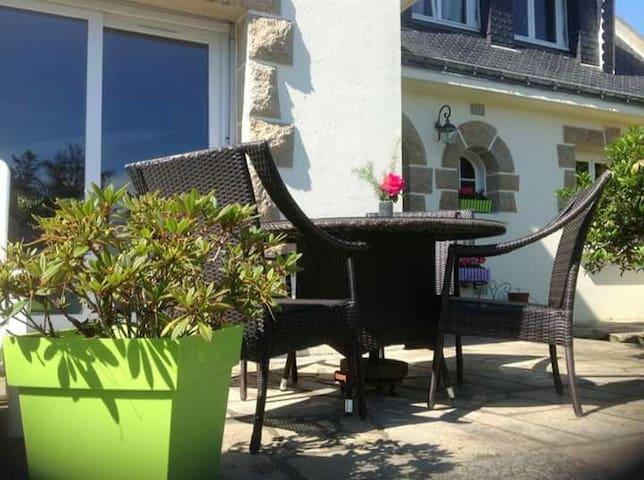 Chambre tout près des plages - Larmor-Plage - Casa