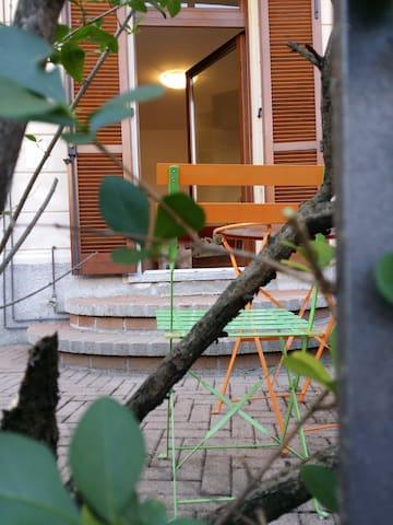 bilocale con area esterna - Varese - Appartement