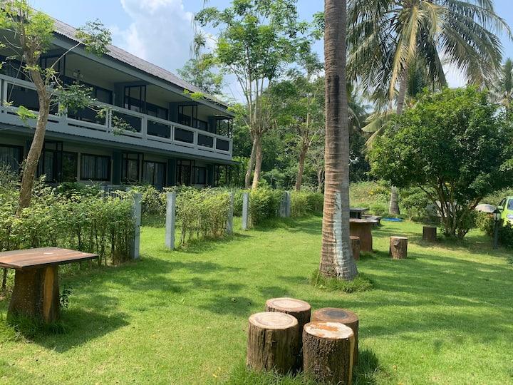Banito Apartments on Ban Krut Beach Thong Chai