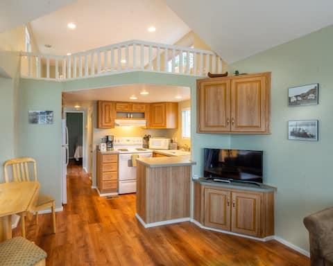 Eagle Bay Rentals - Rogue Cabin