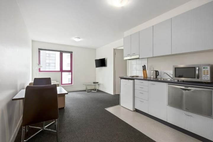 Convenient 1 Bedroom City Apartment