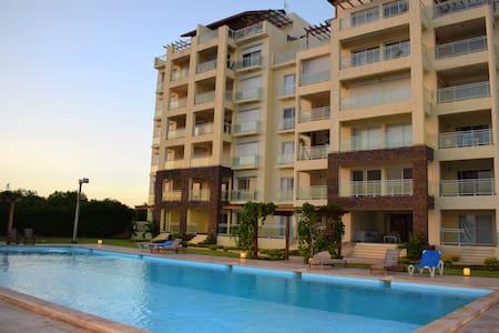 Espectacular Apartamento Vista al Mar y Piscina