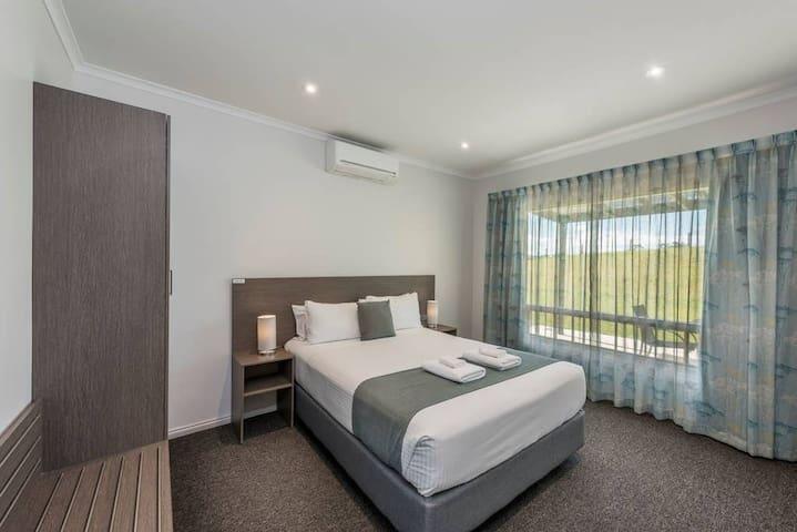 Two Bedroom Unit – 2 Queens