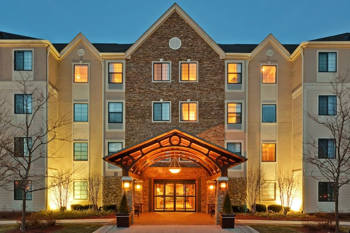 Heated Indoor Pool, 24-Hour Business Center | Cozy Suite Perfect for Business Trips!