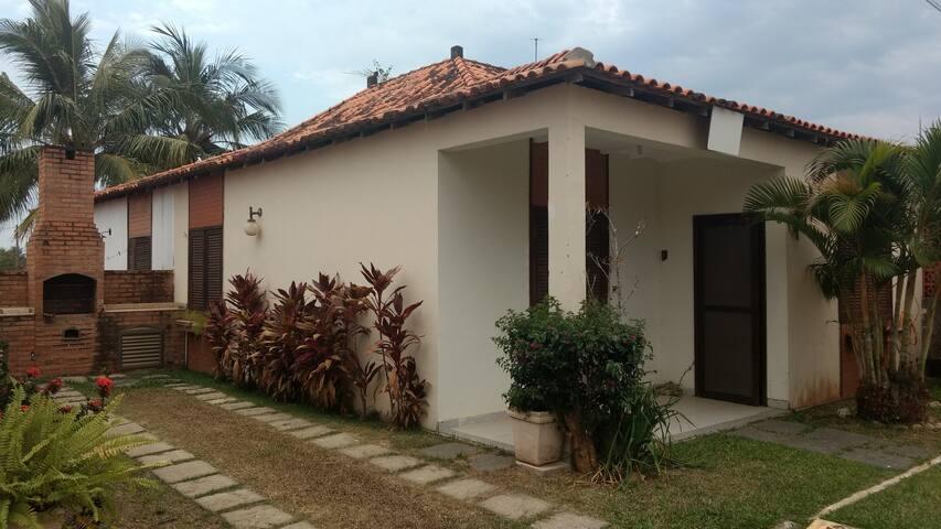 Linda casa em condominio fechado,Jacone, Saquarema