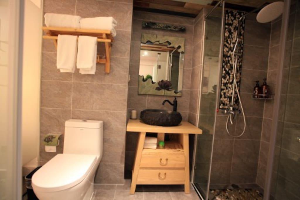 原创设计洗手台与个性石头洗手盆
