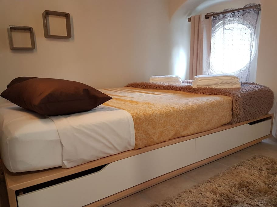"The bed is 140cm/55"" wide"
