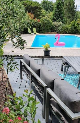 jolie maison proche d'Arcachon avec piscine privée