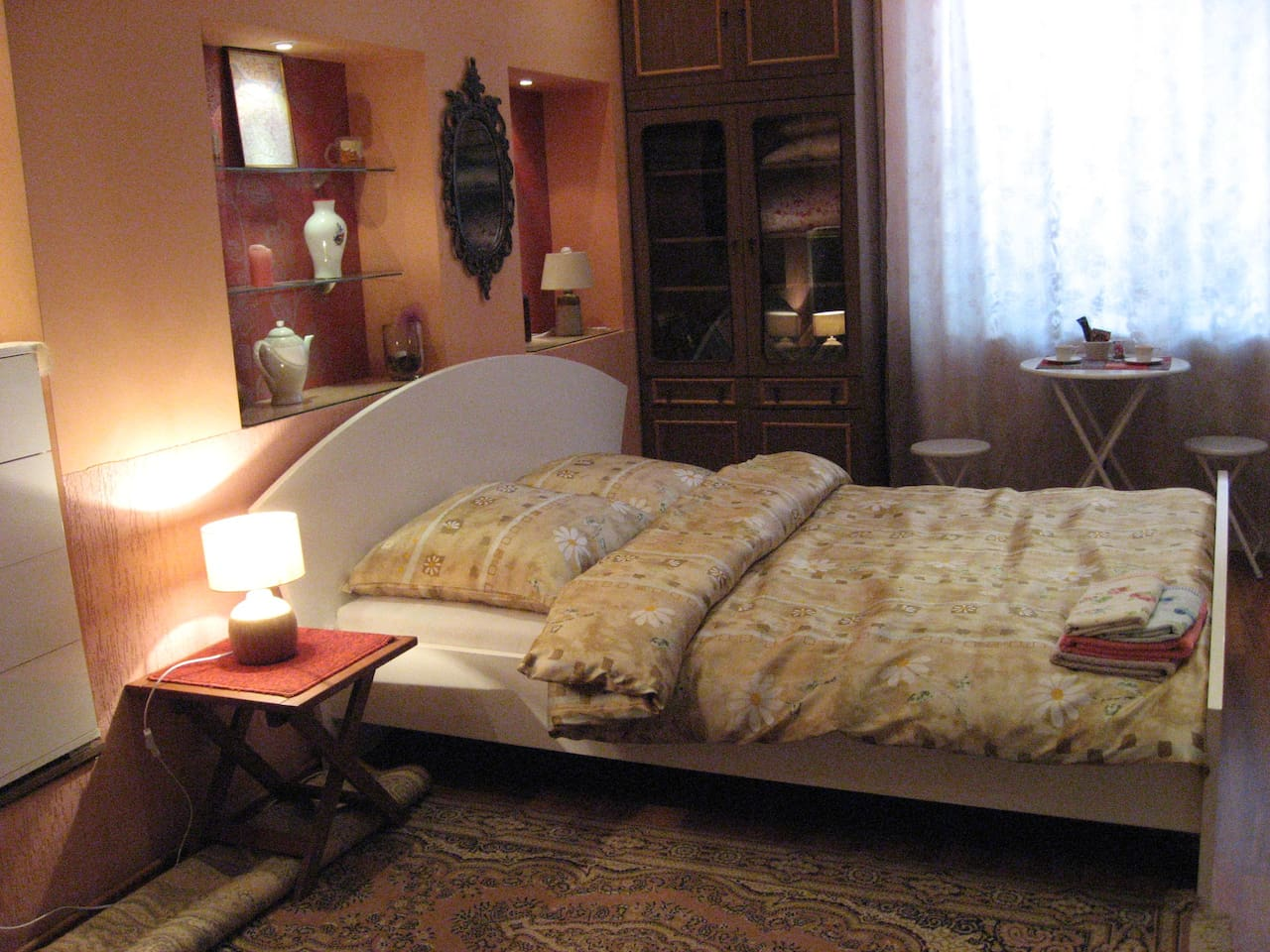 the bed 160 cm x  200 cm