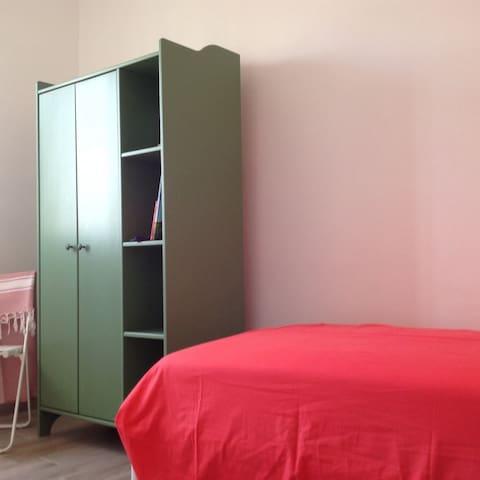 Tre camere con sei posti letto per un comodo riposo