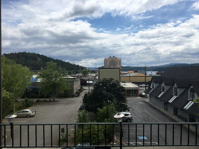 Lake View Condo for 4 Downtown Coeur d'Alene